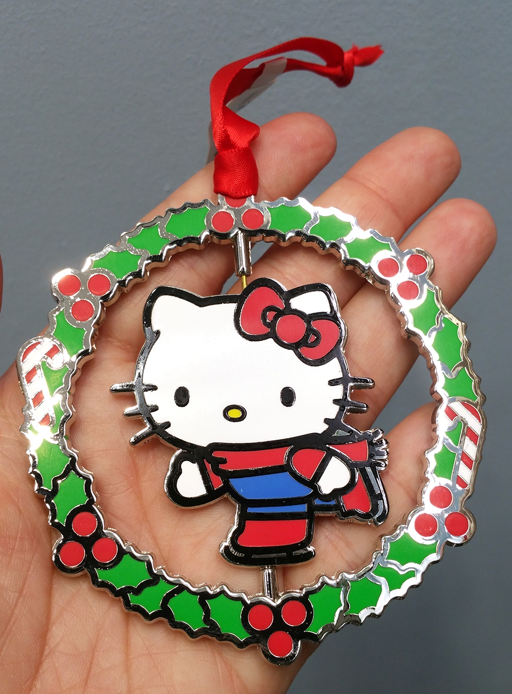 Hello Kitty Universal Studios Ornament Ice Skating