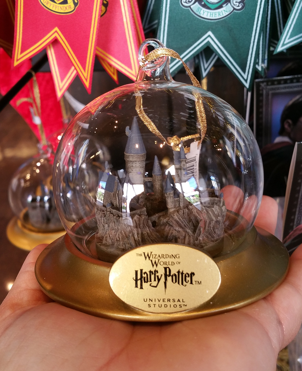Wizarding World of Harry Potter Ornament Hogwarts Castle Globe
