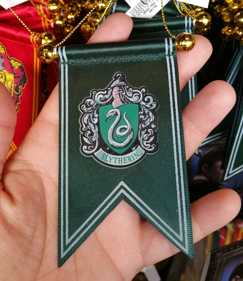 Wizarding World of Harry Potter Ornament Slytherin Crest Green Banner