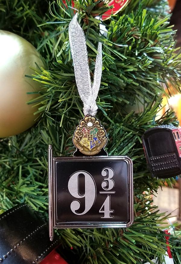 Harry Potter Christmas Ornaments Universal Studios.Wizarding World Of Harry Potter Universal Studios Ornament Platform 9 3 4 Sign
