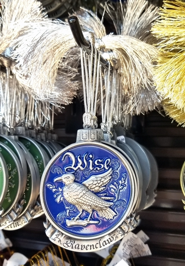 Wizarding World of Harry Potter Universal Studios Ornament Mascot Medallion Ravenclaw