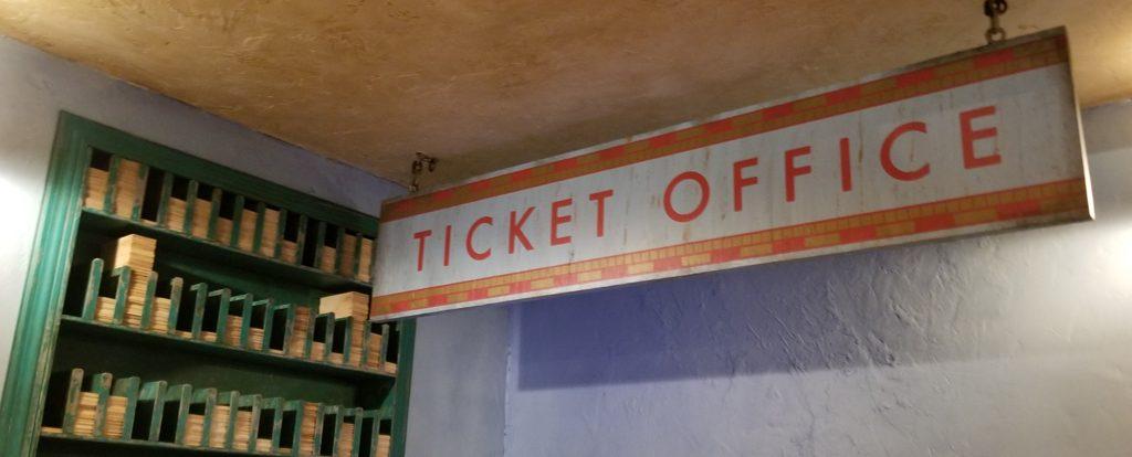 Globus Mundi Ticket Office Sign & Register Area | Photo: @HedgehogsCorner