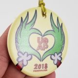Universal Studios Orlando Parks Annual Passholder Ornament UOAP 2018 Grinch Hands Heart