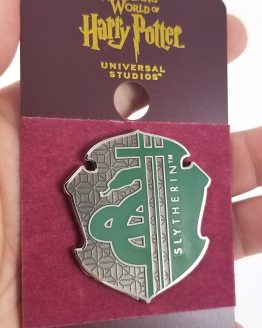 Wizarding World of Harry Potter Universal Studios Parks 2019 Trading Pin - Slytherin Green Shield