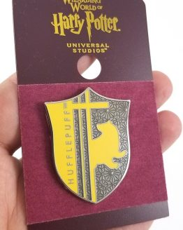 Wizarding World of Harry Potter Universal Studios Parks 2019 Trading Pin - Hufflepuff Yellow Shield