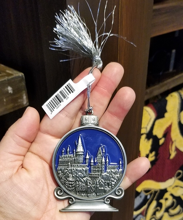 Wizarding World of Harry Potter Universal Studios Parks Holiday Ornament Hogwarts Castle Globe