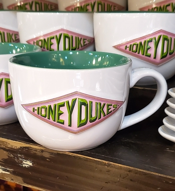 Wizarding World of Harry Potter Universal Studios Parks HoneyDukes Logo Mug