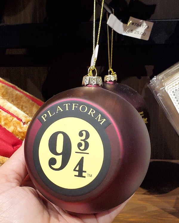 Wizarding World of Harry Potter Universal Studios Parks Holiday Ornament Platform 9 3/4 Burgundy Globe